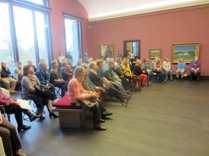 Das Publikum wartet gespannt