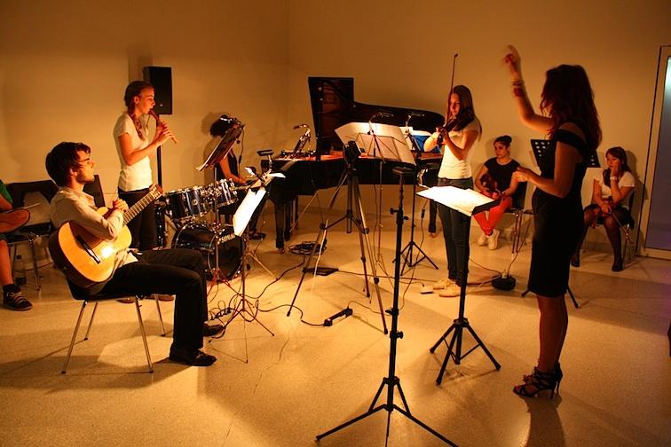 Flöte und Violine proben