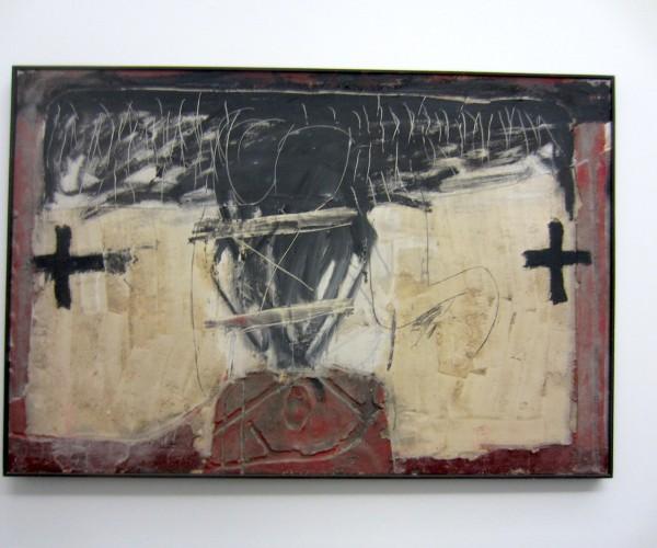 Antoni Tapies_X und zwei Kreuze